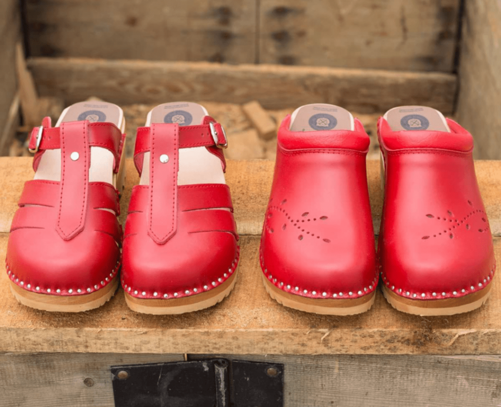 Red-Clogs